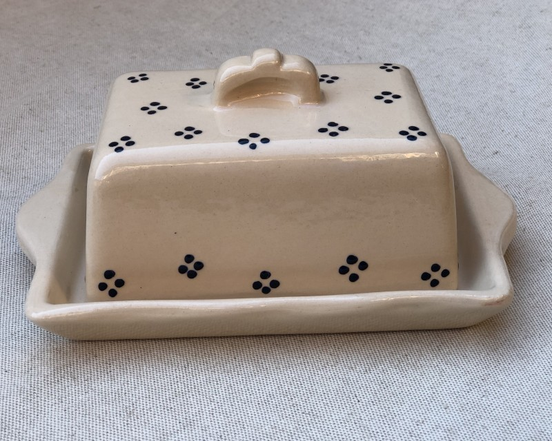 Butter dish cream with blue points