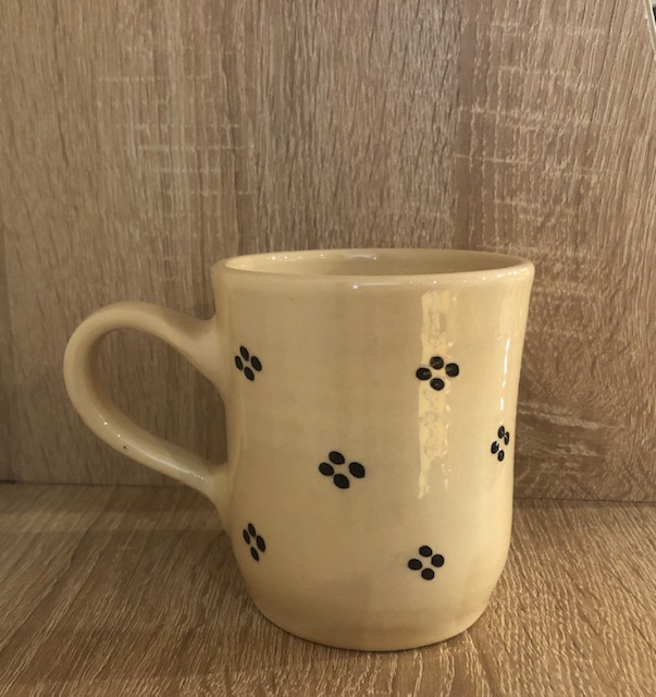 Tea cup cream with blue points