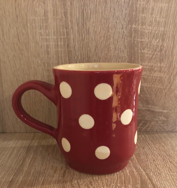 Tea cup red with big peas